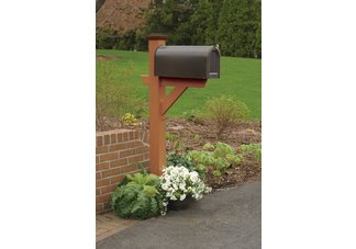 highwood® Hazleton mailbox post;  Recycled eco-friendly synthetic wood in toffee color.